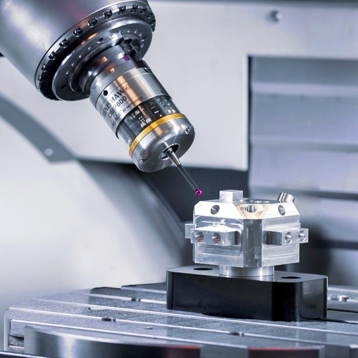 Spindle probe measures and saves Machine Tool data as macro variables